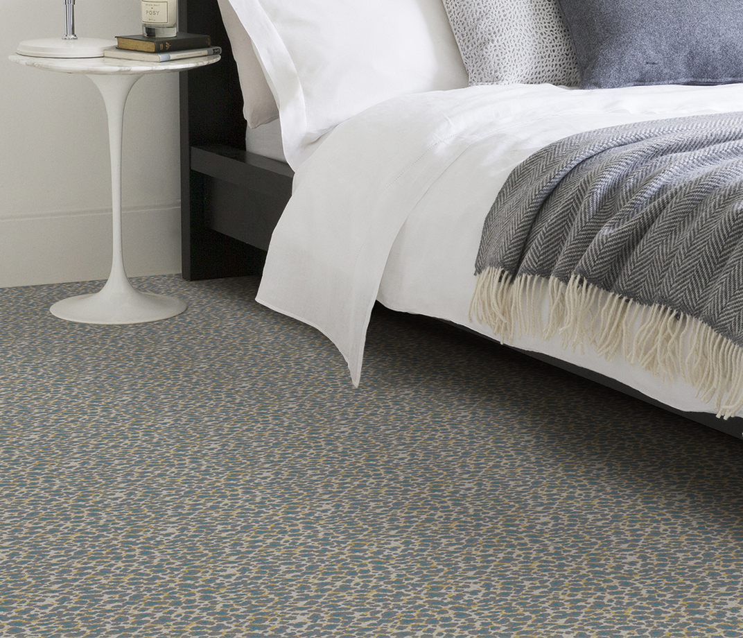 Quirky B Leopard Snow Carpet 7126 in Bedroom thumb